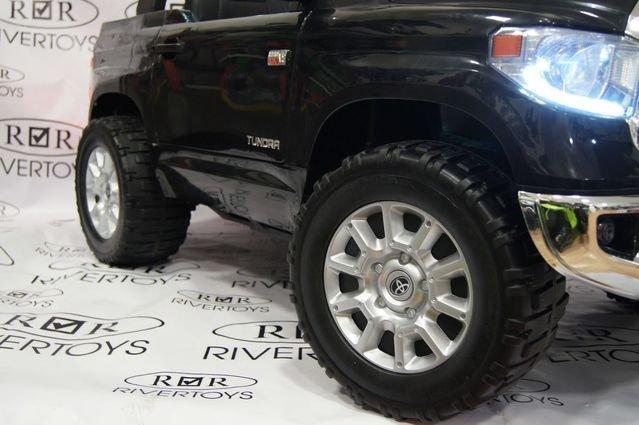 Электромобиль Toyota Tundra двухместный (колеса резина, кресло кожа, музыка)